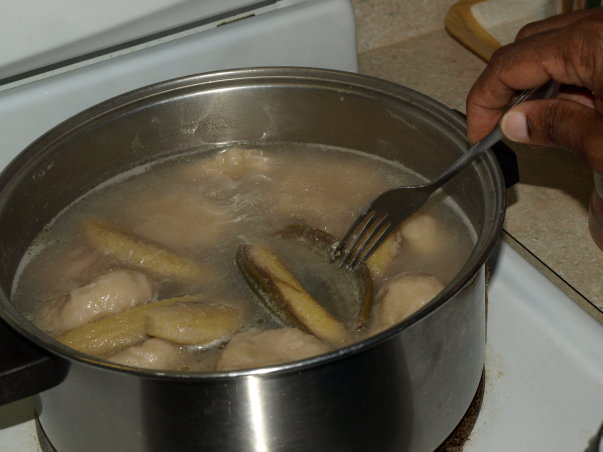 Green bananas boiling